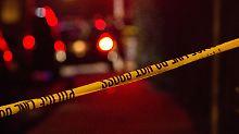 Nach Salto in Bar: Tanzender FBI-Mann schießt Gast an