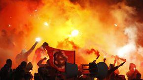 Harter Kurs gegen Rassismus und Krawall: Russische Hooligans bringen Extremismus zur WM