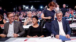 Kipping gegen Wagenknecht: Zoff um Flüchtlingspolitik entzweit Linke