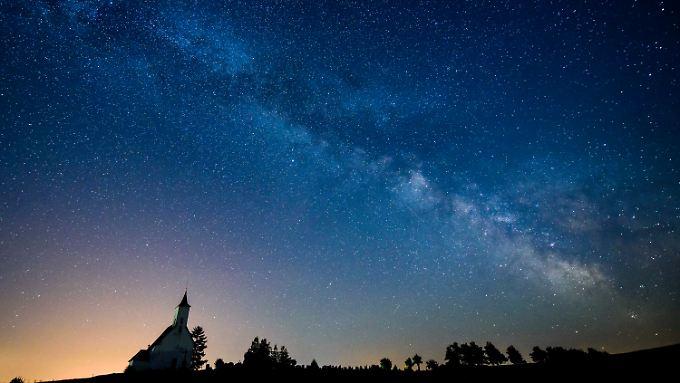 Sterne machen nur 15 Prozent der Masse der Milchstraße aus.