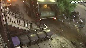 Kaum zu glauben, aber wahr: Müllauto hinterlässt Spur der Verwüstung