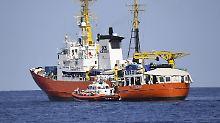 """Hilfe für 629 Menschen: """"Aquarius""""-Flüchtlinge auf Weg nach Spanien"""