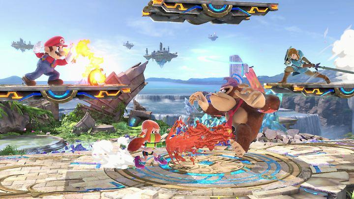 """In """"Super Smash Bros. Ultimate"""" treten Nintendo-Charaktere in Gladiatorenkämpfen auf schwebenden Plattformen gegeneinander an."""