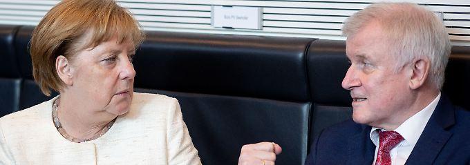 Bilaterale Asyl-Vereinbarungen?: Merkel macht Seehofer Kompromissvorschlag