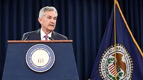Wie reagiert die EZB?: US-Notenbank hebt Leitzins an