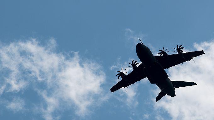 Immer wieder hat die Bundeswehr mit Ausrüstungsmängeln zu tun, etwa mit Problemen beim Transportflugzeug A400 M.