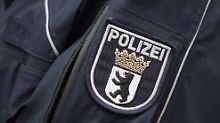 Täter auf der Flucht: Unbekannter sticht in Berlin Touristen nieder