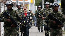 Kolumbien wählt Präsidenten: Militärische Faust oder zahmer Ex-Guerillero?