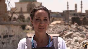 """""""Man kann die Leichen riechen"""": Angelina Jolie besucht das zerstörte Mossul"""