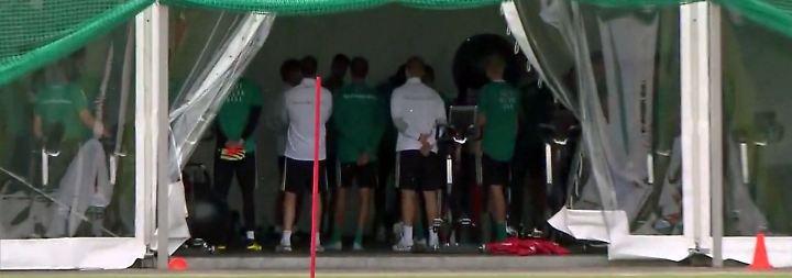 Kampf gegen Gruppen-Aus bei WM: DFB-Team redet Tacheles hinter verschlossenen Türen