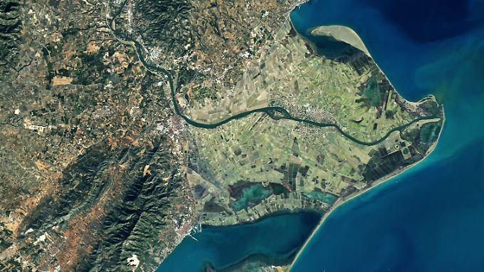 Das Delta des Ebro: Dort, wo der größte Fluss Spaniens das Mittelmeer erreicht, liegen besonders fruchtbare Böden.