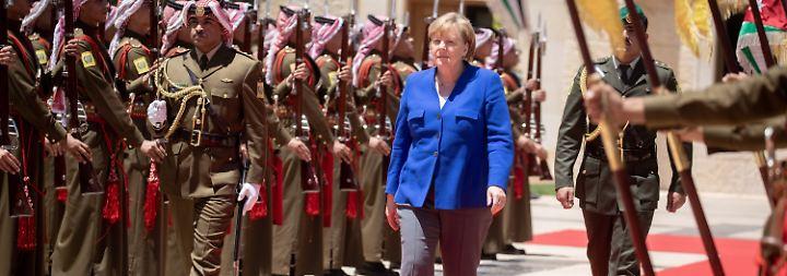 Viele europäische Partner verärgert: Asylstreit überschattet Merkels Staatsbesuch in Jordanien