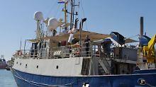 Fahrt unter falscher Flagge?: Italien beschlagnahmt deutsche Retterschiffe