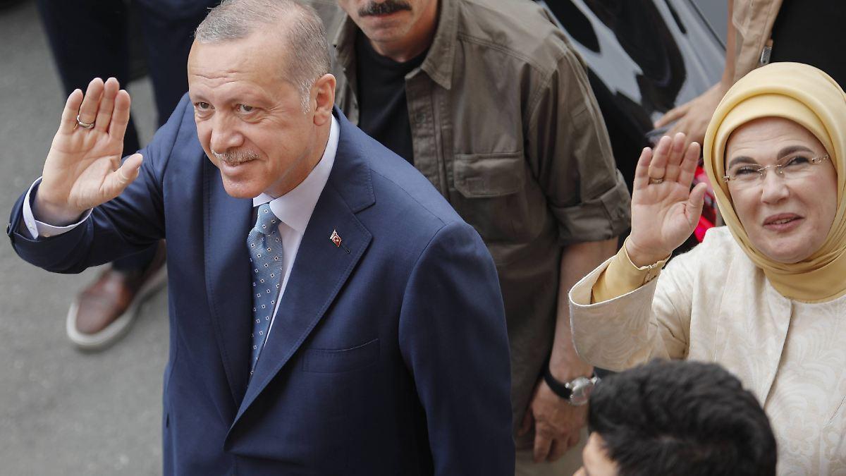 Derzeit-59-Prozent-f-r-AKP-Erdogan-liegt-nach-Teilausz-hlung-vorne