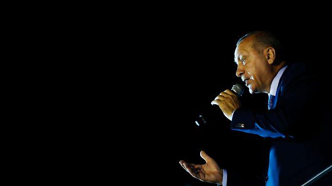 Erdogan hat sich zum Sieger erklärt, aber sicher war das nicht.