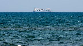 Erlaubnis von Innenminister Salvini: Frachter mit Flüchtlingen an Bord darf in Italien anlegen