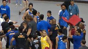 Fliegende Stühle beim Basketball: WM-Qualifikationsspiel führt zu Massenschlägerei