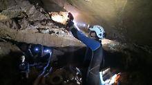 Jugendfußballer sitzen fest: Regen gefährdet Rettung aus Höhle