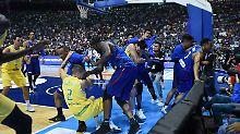 Der Sport-Tag: Basketball-Weltverband bestraft Prügel-Orgie hart