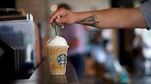Test in den USA und Kanada: Starbucks schafft Plastiktrinkhalme ab