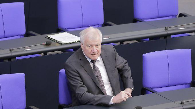 """Innenminister Seehofer auf der Regierungsbank - seinen """"Masterplan"""" hat er im Kabinett aber nicht abgestimmt."""