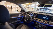 Probefahrten im Silicon Valley: Bosch und Daimler testen fahrerlose Shuttles