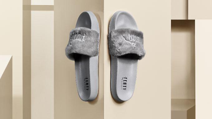 Ihr Design verdanken die Badeschlappen von Puma Sängerin Rihanna.