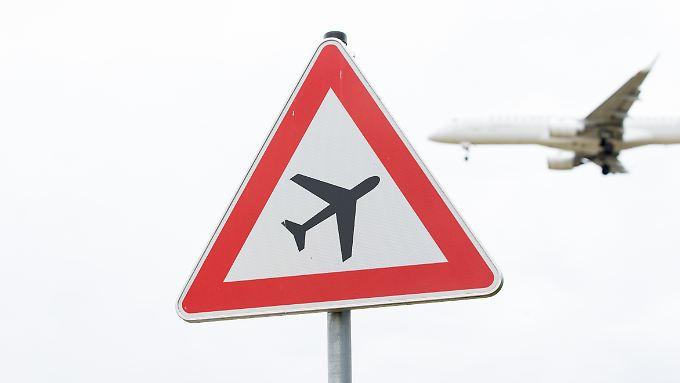 Im ersten Halbjahr 2018 gingen 7745 Schlichtungsanträge von Fluggästen ein.