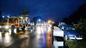 Nach dem Unfall war die A2 in Fahrtrichtung Dortmund vollständig gesperrt.
