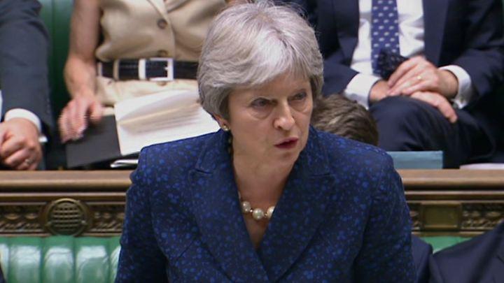 Premierministerin May steht unter Druck.