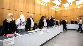 Erster Angeklagter legt Geständnis ab: Mutmaßliche Gruppenvergewaltiger in Essen vor Gericht
