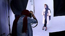 """Harte Strafen für Verkäufer: Iran will """"unislamische Mäntel"""" verbannen"""