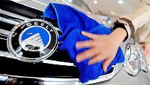 Der bislang größte Deal des Jahres: Der chinesische Autobauer Geely stieg bei der deutschen Firma Daimler ein.