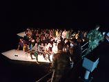 """""""Ihr Körper war noch warm"""": Reporterin gerät ins Elend auf dem Mittelmeer"""