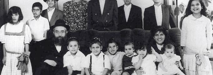 Rebecca als Kind (3.v.re.) mit ihren Eltern und Geschwistern.