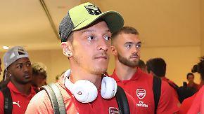 Özil mit Arsenal in Singapur: DFB wehrt sich gegen Rassismus-Vorwürfe