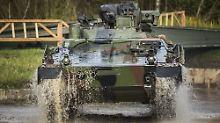 Zähe Regierungsbildung schuld: Deutsche Rüstungsexporte brechen ein