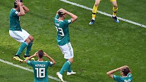 Löw von Özil-Rücktritt überrascht: DFB-Spieler halten sich bedeckt