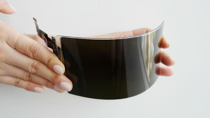 Samsungs neues OLED kann man biegen, aber nicht brechen.