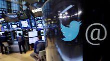 Der Börsen-Tag: Twitter sperrt Alex Jones - aber nur eine Woche
