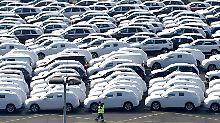 Absatzeinbruch bei Daimler: VW glänzt auf schwachem US-Automarkt