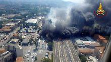 Video zeigt Unglück in Italien: Tankwagen explodiert - ein Toter