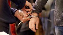 Schlüsseldienst der anderen Art bei einem der nunmehr Verurteilten.