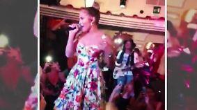 Promi-News des Tages: Jennifer Lopez tanzt vor Touristen auf dem Tisch