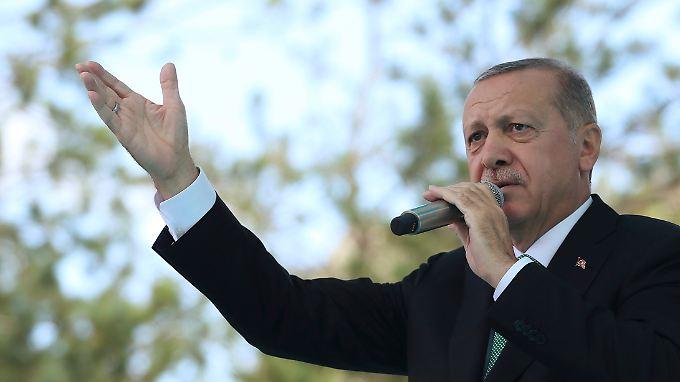 Erdogan bei seinem Auftritt in Bayburt.