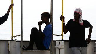 "141 gerettete Flüchtlinge an Bord: ""Aquarius"" sucht erneut sicheren Hafen"
