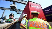 Gefährlichste Route an Land: Mehr Flüchtlinge reisen auf Güterzügen ein
