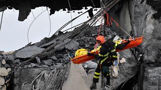 Viele Tote und Verletzte in Genua: Rettungskräfte kämpfen sich durch Brückentrümmer