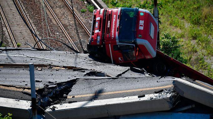 Schuldzuweisungen nach Brückeneinsturz: Conte ruft Notstand für Genua aus