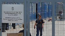 In den geschlossenen Transitzentren sollen einige Asylsuchende kein Essen bekommen.